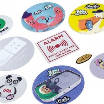 Klistermärken med logga - designa ev. själv online